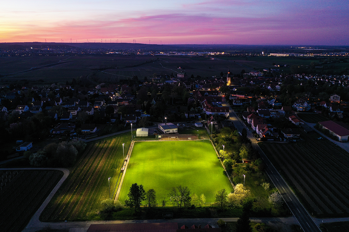 SV Kirchheim Flutlicht